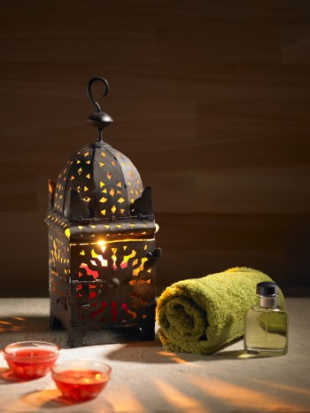 Arab lamp whit a candle in the hammam